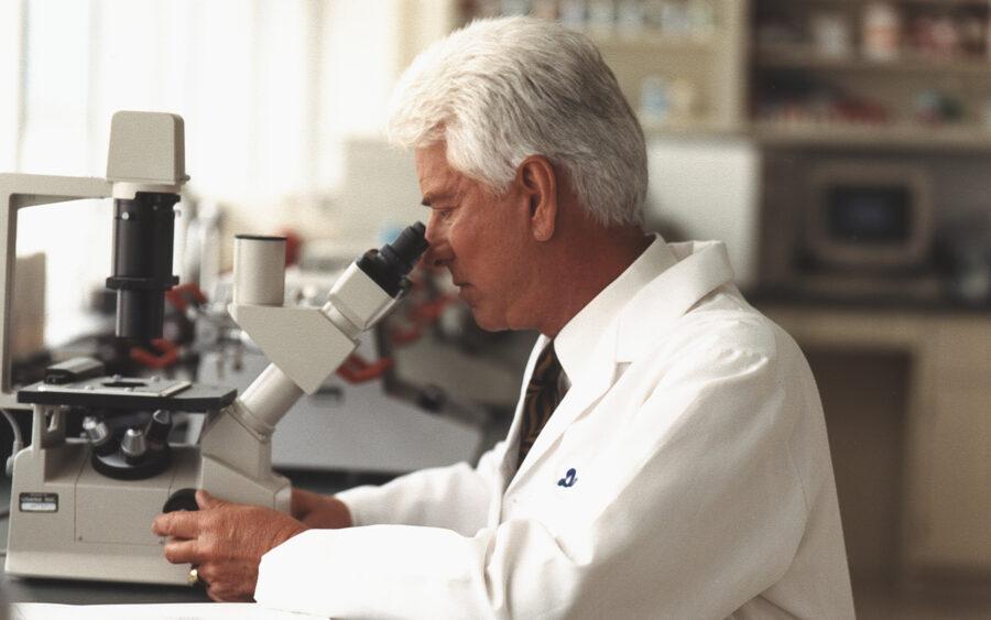 Dr Myron Wentz